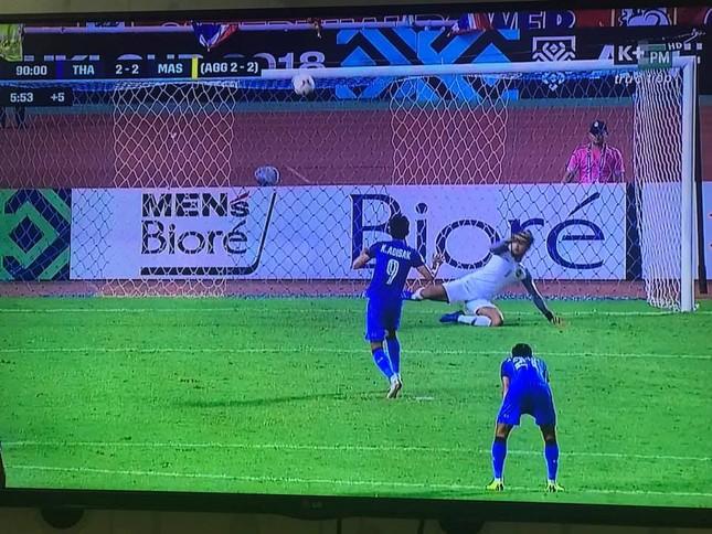 Malaysia ngoan cường vượt Thái Lan vào chung kết AFF Cup ảnh 26