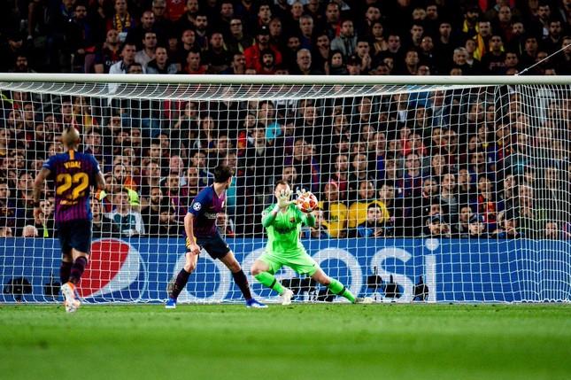 Messi lập cú đúp, Barcelona đặt một chân vào chung kết ảnh 25
