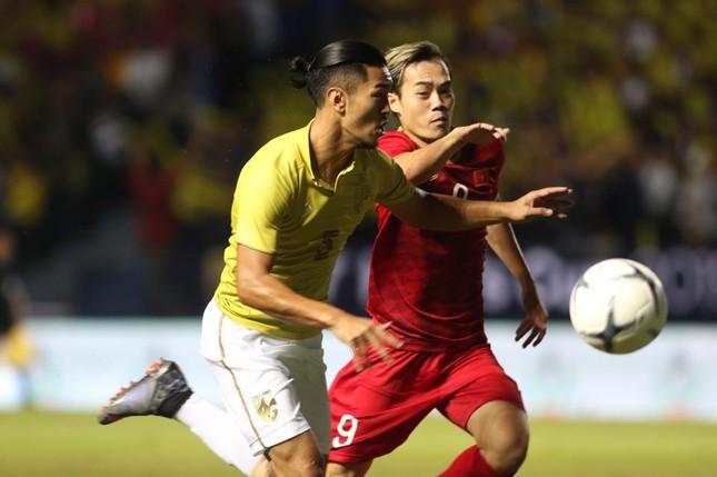 Anh Đức ghi bàn phút bù giờ, tuyển Việt Nam hạ Thái Lan vào chung kết King's Cup ảnh 12