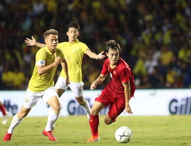 Anh Đức ghi bàn phút bù giờ, tuyển Việt Nam hạ Thái Lan vào chung kết King's Cup ảnh 18