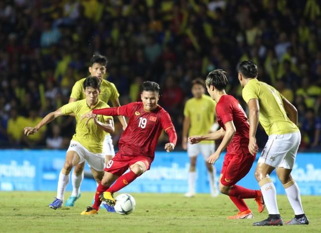 Anh Đức ghi bàn phút bù giờ, tuyển Việt Nam hạ Thái Lan vào chung kết King's Cup ảnh 19