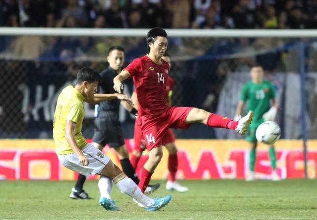 Anh Đức ghi bàn phút bù giờ, tuyển Việt Nam hạ Thái Lan vào chung kết King's Cup ảnh 21