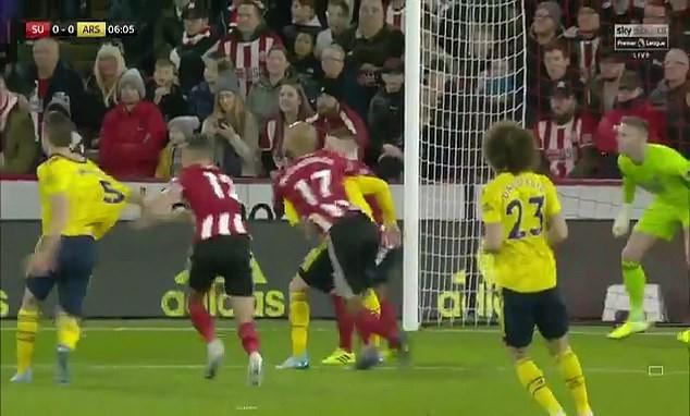 Thua sốc đội mới thăng hạng, HLV Arsenal đổ tại... VAR ảnh 1