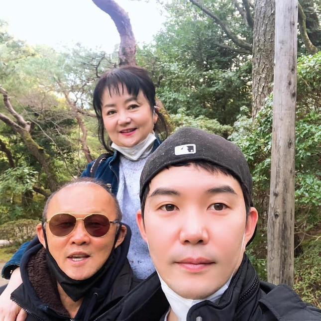 HLV Park Hang Seo hạnh phúc du xuân Nhật Bản cùng gia đình ảnh 1