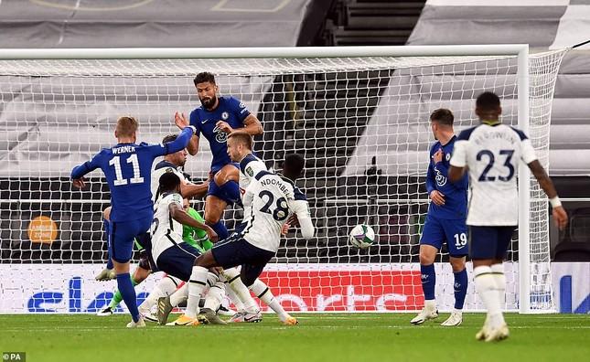 Tottenham gây sốc, đánh bại Chelsea ở loạt 'đấu súng' ảnh 1