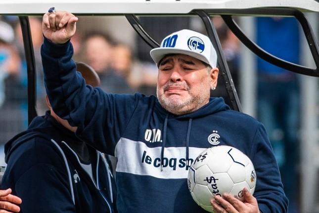 Diego Maradona: Khi người đàn ông khóc ảnh 8