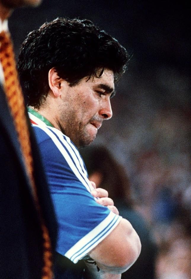 Diego Maradona: Khi người đàn ông khóc ảnh 2