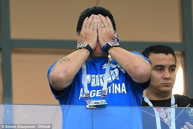 Diego Maradona: Khi người đàn ông khóc ảnh 6