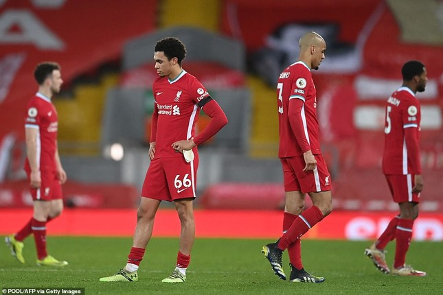Ngôi sao Mo Salah vùng vằng vì bị thay ra, Liverpool nổi sóng ngầm ảnh 1
