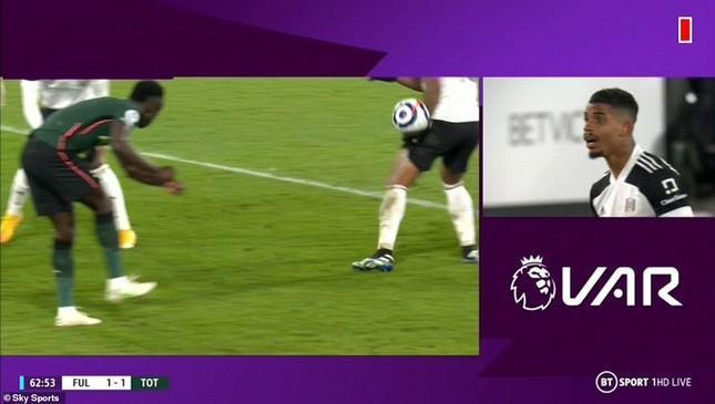 Tottenham thắng nhờ VAR, HLV Mourinho nói gì? ảnh 1
