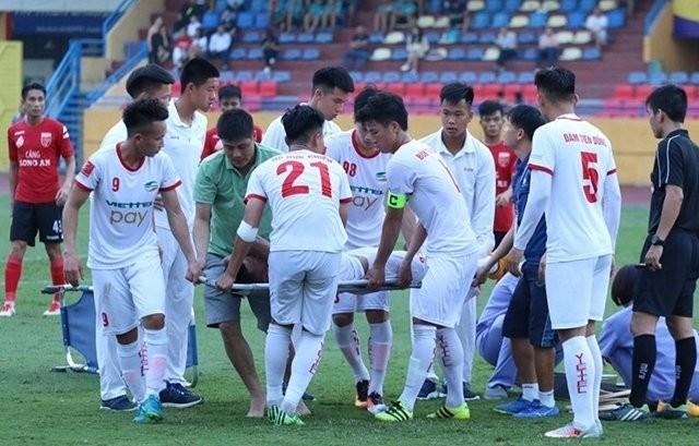 Những ca gãy chân kinh hoàng trong làng bóng đá Việt ảnh 4