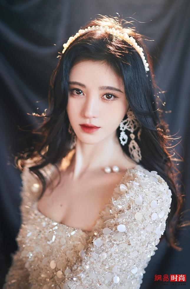 Showbiz châu Á 20/7: Jungkook (BTS) dẫn đầu lượt tìm kiếm Google, Cúc Tịnh Y đẹp như mộng ảnh 4