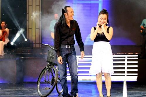 NSND Hồng Vân và Hoài Linh kể những chuyện xúc động về em gái thân Cẩm Ly ảnh 2
