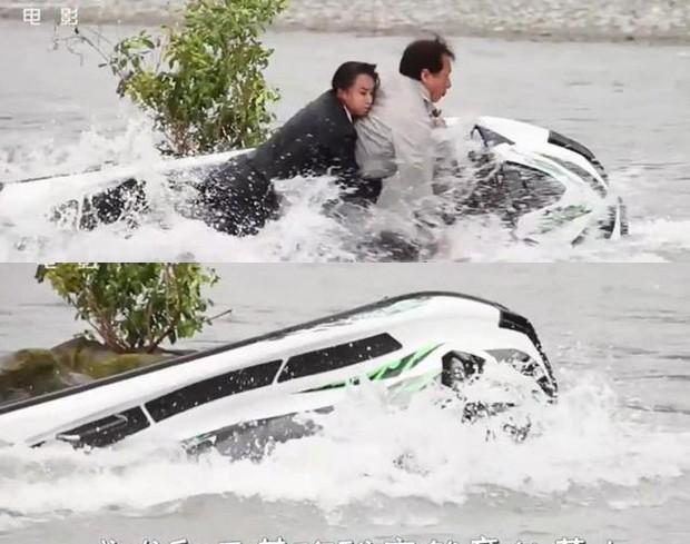 Thành Long suýt chết đuối trong cảnh quay mạo hiểm khiến ê-kíp làm phim sợ hãi phát khóc ảnh 2