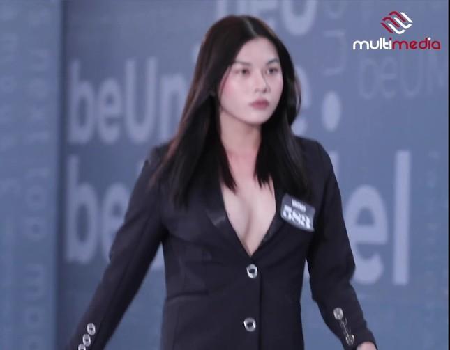 Thí sinh Vietnam's Next Top Model: '4 năm trước em là nam người mẫu, giờ em là một cô gái' ảnh 3