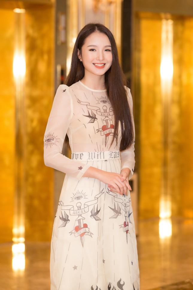 Thí sinh người Tày diện trang phục dân tộc thi Sơ khảo phía Bắc Hoa hậu Việt Nam 2020 ảnh 3