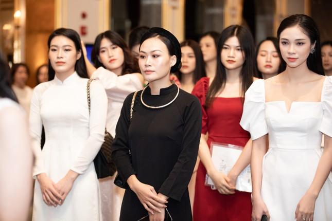 Thí sinh người Tày diện trang phục dân tộc thi Sơ khảo phía Bắc Hoa hậu Việt Nam 2020 ảnh 1