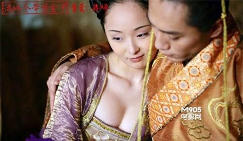 Những phân cảnh hở bạo trong 'Hoàng Kim Giáp' của Củng Lợi ảnh 4