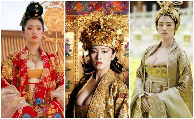 Những phân cảnh hở bạo trong 'Hoàng Kim Giáp' của Củng Lợi ảnh 2