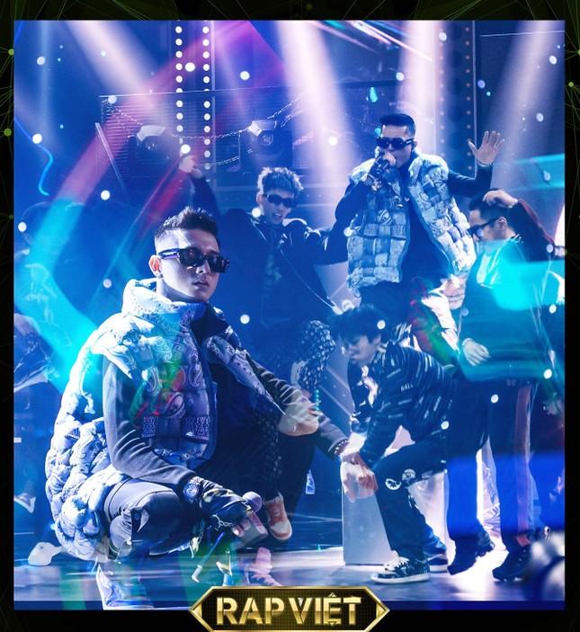 Chung kết Rap Việt: Rap về miền Trung, Gonzo khiến Trấn Thành một lần nữa rơi nước mắt ảnh 7