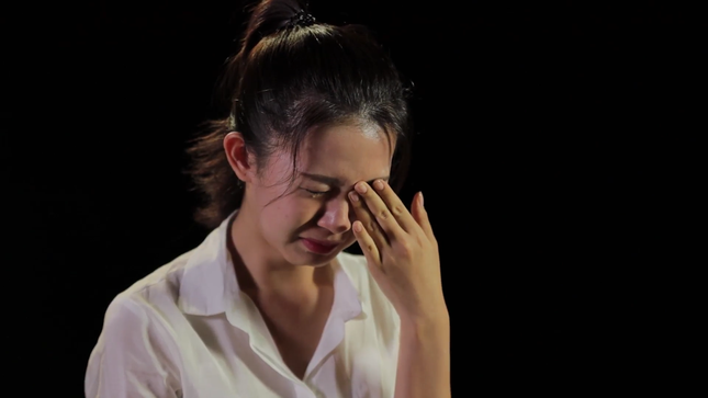 Thí sinh HHVN bật khóc khi chứng kiến bữa cơm với muối của hai bà cháu nghèo ảnh 10
