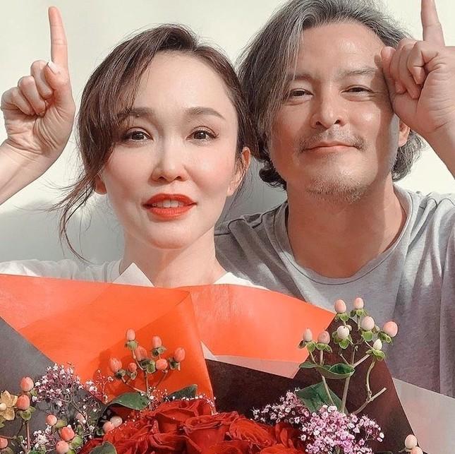 Ngạc nhiên trước diện mạo chênh lệch của 'Dương Quá – Tiểu Long Nữ' Singapore sau 22 năm ảnh 3