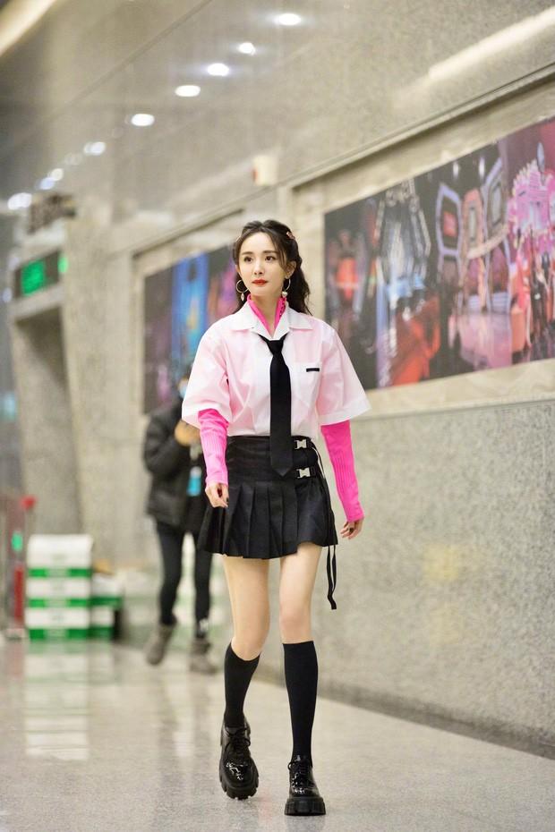 Thổn thức trước vẻ đẹp thời trẻ của 'đệ nhất mỹ nhân Hồng Kông' Quan Chi Lâm ảnh 8