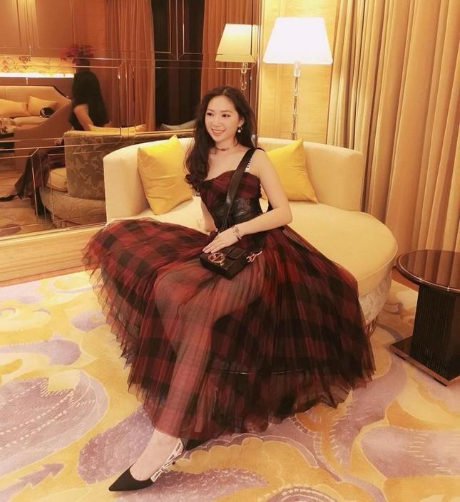 Ái nữ 16 tuổi nhà Chân Tử Đan đẹp như siêu mẫu, chiều cao gây bất ngờ ảnh 2