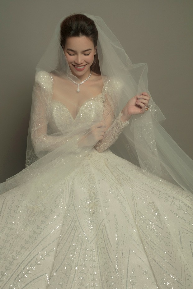 Hồ Ngọc Hà khoe ảnh lộng lẫy trong bộ váy cưới, nhan sắc bà mẹ 3 con ngày một lên hương ảnh 3
