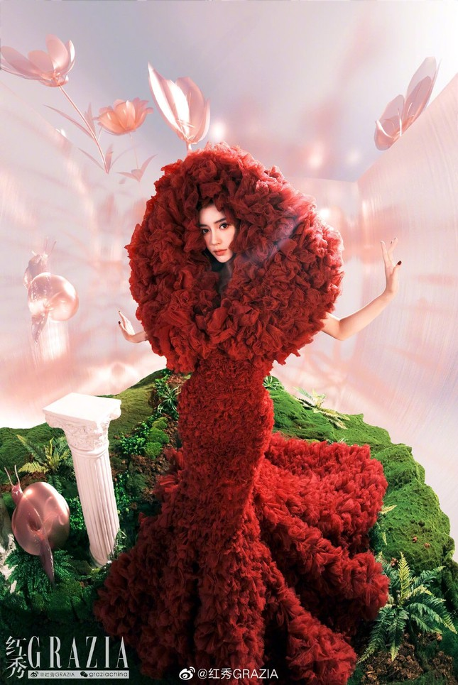 'Ma nữ đẹp nhất Thái Lan' Mai Davika đẹp mê hồn trong bộ ảnh bikini mới ảnh 4