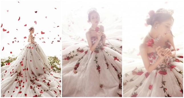 Địch Lệ Nhiệt Ba đẹp như công chúa làm say đắm lòng người ảnh 2
