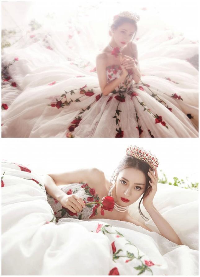 Địch Lệ Nhiệt Ba đẹp như công chúa làm say đắm lòng người ảnh 1