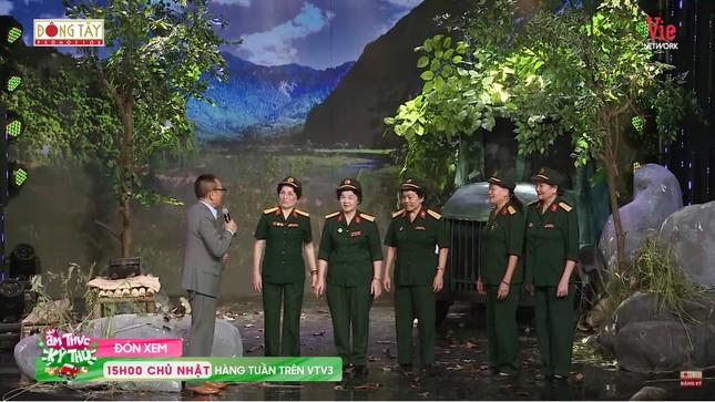 Xúc động nghe đội nữ chiến sĩ lái xe Trường Sơn kể những ngày bom đạn gian khổ ảnh 1