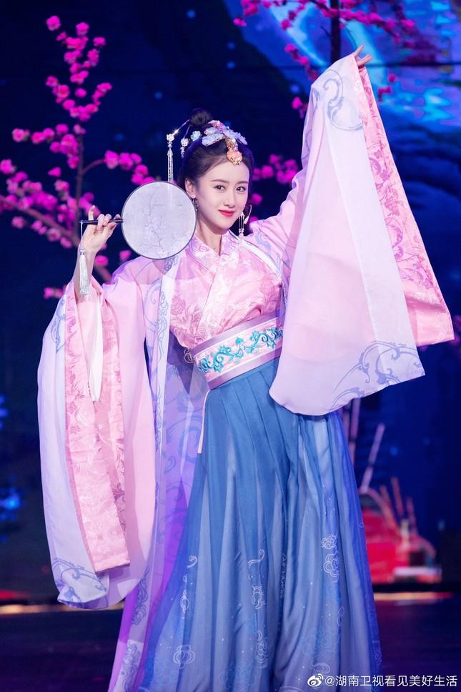 Mê mẩn ngắm các nữ diễn viên hóa thành tứ đại mỹ nhân trong lịch sử Trung Quốc ảnh 5