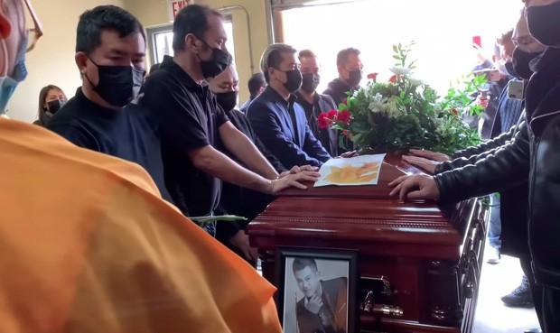 Tro cốt Vân Quang Long đã đưa về Việt Nam, lễ an táng tổ chức ngày 20/1 ảnh 1