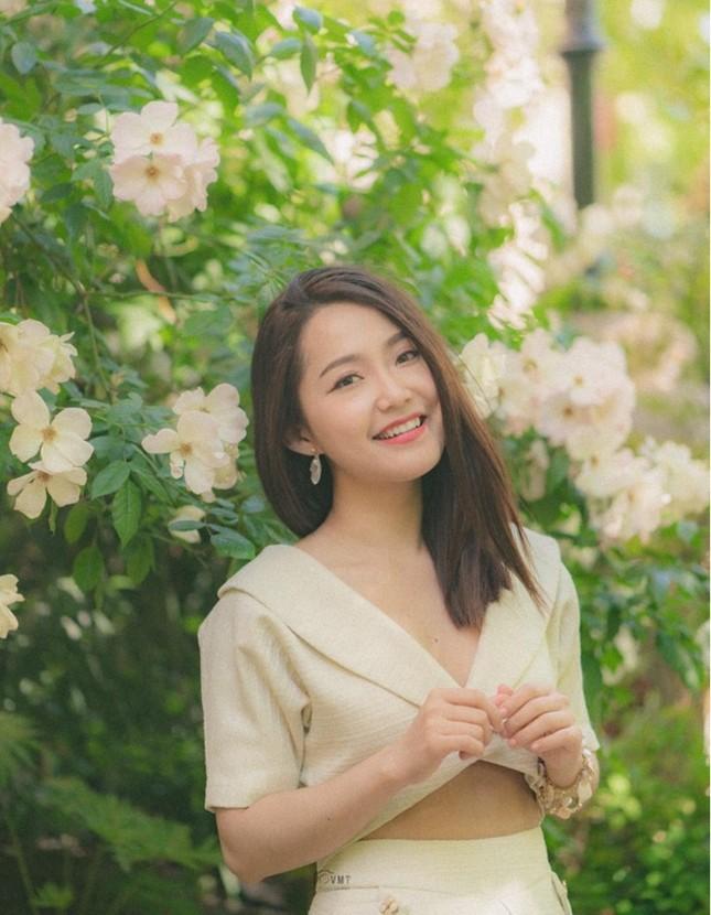 Diễn viên vai Hạnh 'cận' - Kính Vạn Hoa làm giảng viên đại học ở Australia ảnh 7