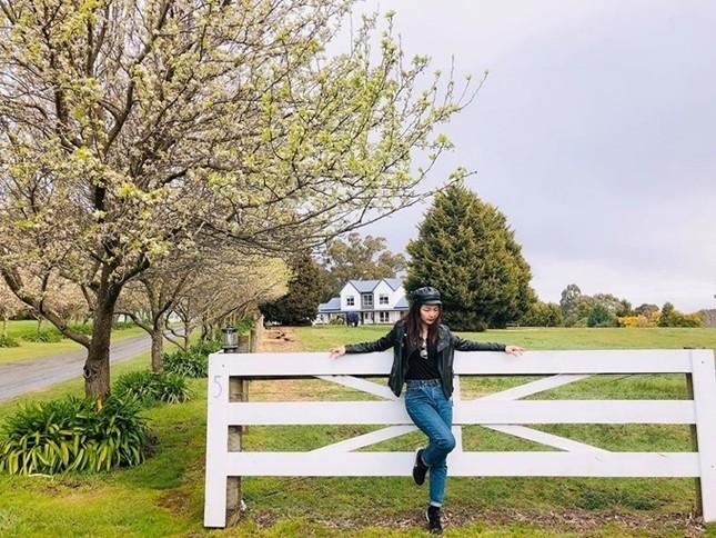 Diễn viên vai Hạnh 'cận' - Kính Vạn Hoa làm giảng viên đại học ở Australia ảnh 8