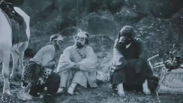 Từng có phiên bản 'Tây Du Ký' kinh dị, hở hang, chỉ phát sóng 1 tập đã bị cấm chiếu ảnh 7
