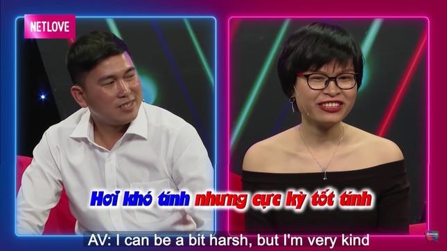 Quyền Linh hoảng hốt khi chàng trai 'cướp' nụ hôn đầu của cô gái chưa mảnh tình 'vắt vai' ảnh 1