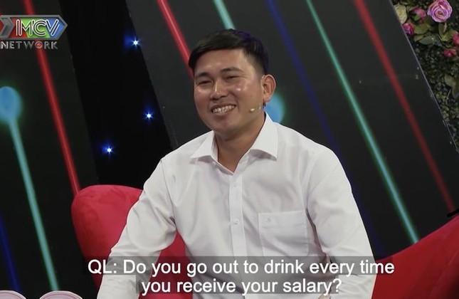Quyền Linh hoảng hốt khi chàng trai 'cướp' nụ hôn đầu của cô gái chưa mảnh tình 'vắt vai' ảnh 3