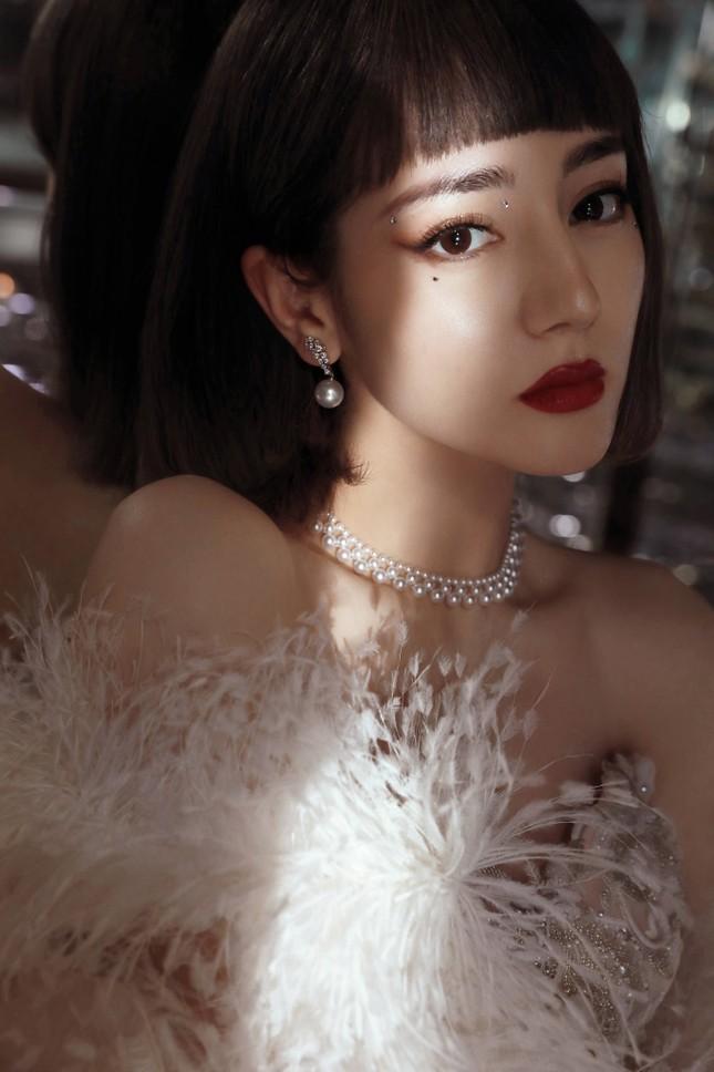 Địch Lệ Nhiệt Ba, 'mỹ nữ 4000 năm' gây chao đảo đêm hội Weibo vì nhan sắc tựa nữ thần ảnh 3