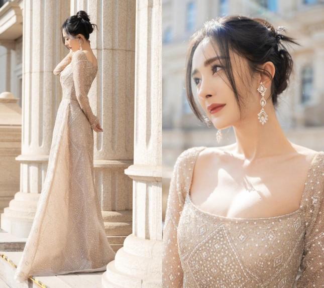 Địch Lệ Nhiệt Ba, 'mỹ nữ 4000 năm' gây chao đảo đêm hội Weibo vì nhan sắc tựa nữ thần ảnh 5
