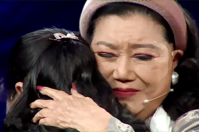 NSND Kim Cương nghẹn ngào đoàn tụ con gái nuôi sau 45 năm thất lạc ảnh 3