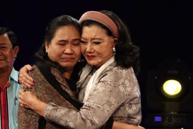 NSND Kim Cương nghẹn ngào đoàn tụ con gái nuôi sau 45 năm thất lạc ảnh 4
