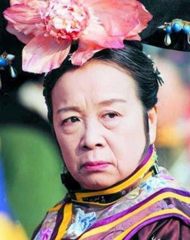 Ngỡ ngàng với nhan sắc xinh đẹp năm 26 tuổi của 'Dung Ma Ma' Hoàn Châu Cách Cách ảnh 1