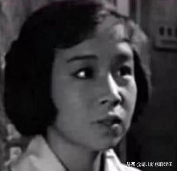 Ngỡ ngàng với nhan sắc xinh đẹp năm 26 tuổi của 'Dung Ma Ma' Hoàn Châu Cách Cách ảnh 4