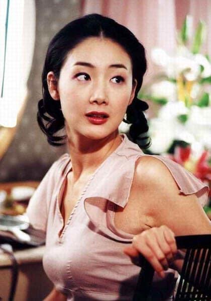 Nhan sắc mỹ nhân 'Bản tình ca mùa đông' Choi Ji Woo sau 19 năm ảnh 3