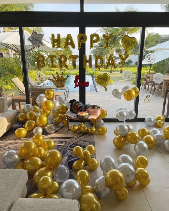 Lệ Quyên tổ chức sinh nhật bất ngờ cho Lâm Bảo Châu ảnh 2