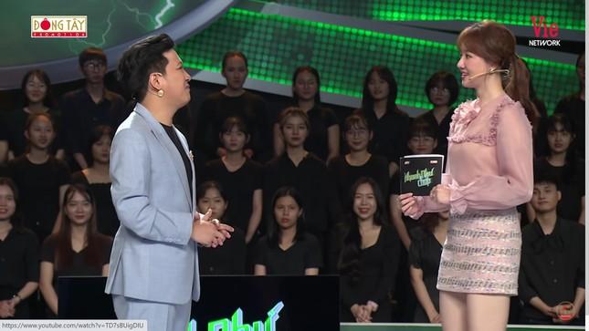 Hari Won tiết lộ cách Trấn Thành xưng hô với vợ khiến Trường Giang giật mình ảnh 1