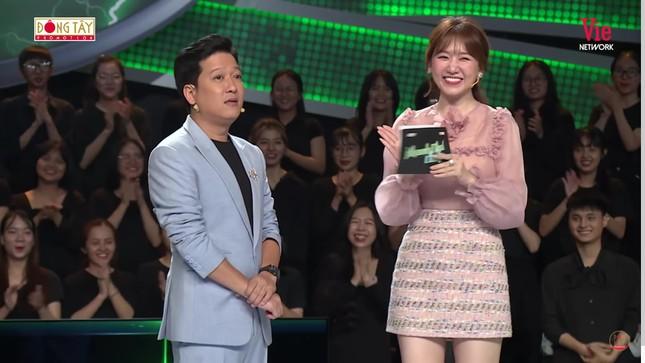 Hari Won tiết lộ cách Trấn Thành xưng hô với vợ khiến Trường Giang giật mình ảnh 2